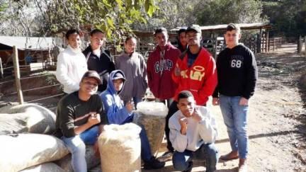 Jovens são preparados para Bovinocultura de Leite, Cafeicultura e Suinocultura
