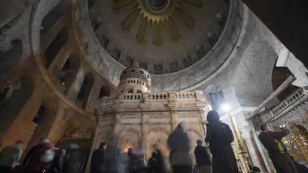 Reaberta Basílica do Santo Sepulcro