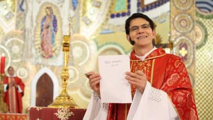 """Pe. Reginaldo Manzotti: """"o manto de Guadalupe é de origem divina"""""""